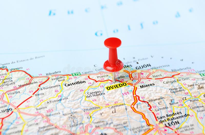 oviedo-spain-map-pin-travel-concept-47178154.jpg