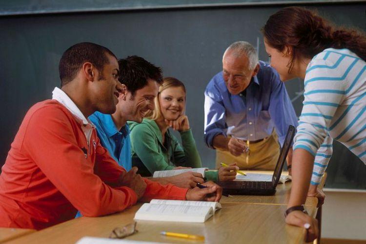 Teaching-Altrendo-images-Getty-Images-57328630-58959a1e3df78caebc93a09a-5c268141c9e77c0001529ff4.jpg